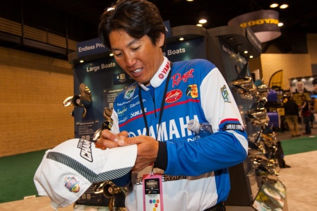 Takahiro Omori - 65:1 The 2004 Classic champ is one of the best power fishermen on the planet, and power fishing has given him just about every title he's earned in his career, including the Classic. Weather and fishing pressure dictate the results of tournaments, and if it's warm and the bass will chase a little bit, Omori's chances are better than if it's cold and they're lethargic. If the tournament can be won on a lipless crankbait or jerkbait, watch for him to make a run at it.