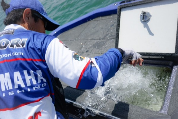 Though Takahiro Omori's catches are not appearing on BASSTrakk, Kentaro Amagai reports Omori has a limit estimated at 13 to 14 pounds. Photo by Bassmaster Photographer