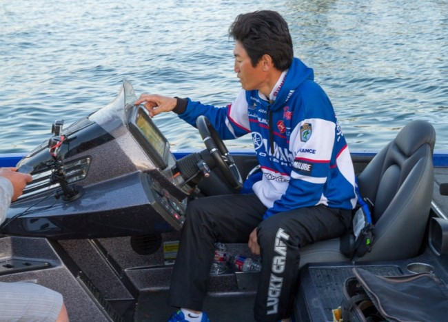 Takahiro Omori has found a pattern that could get him a win here. Photo by James Overstreet