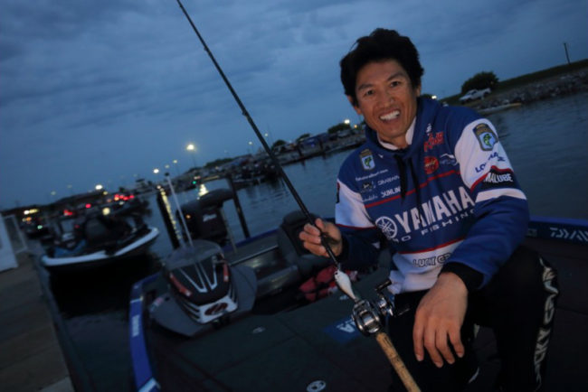 Starting Day 3 in 4th place, Takahiro Omori ventures out to gain some ground on current leader Dave Lefebre. Will Omori manage to surge forward and grab the lead on Wheeler Lake? Photo: Seigo Saito